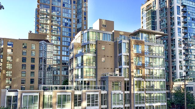 910 Beach Avenue Apartment Hotel Vancouver, BC